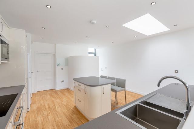 Contemporary house extension corstorphine edinburgh for Kitchen design edinburgh